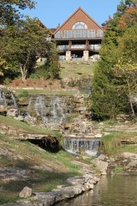 Falls Lodge