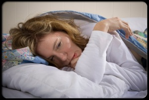 chronic-fatigue-syndrome-s1-woman-suffers-from-cfs-in-bed